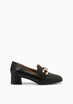 Betty Flats And Sandals