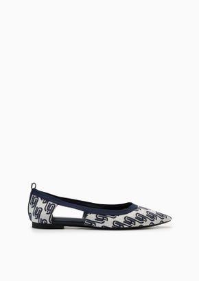 Lyn Infinite Femme Flats And Sandals